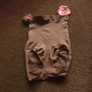 Nude bodysuit strapless spanx never worn